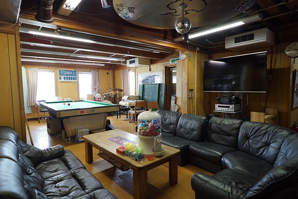 南極・昭和基地の娯楽室