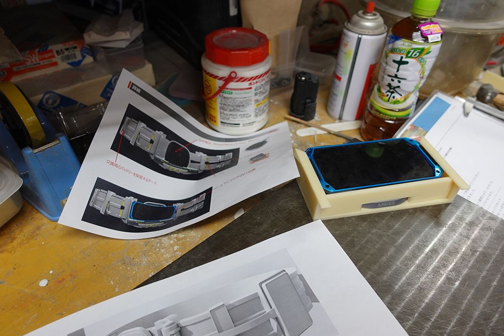 TORQUEベルトのラフスケッチと工房での作業風景