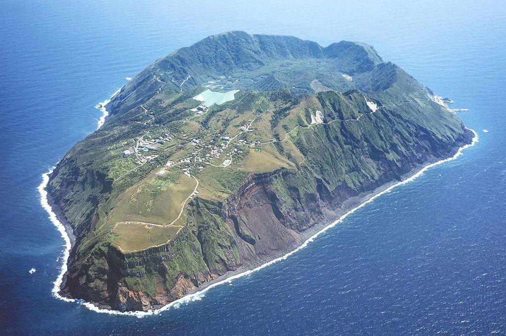 青ヶ島で「Runtrip」上陸難易度S級の東京の秘境で絶景ランニング ...