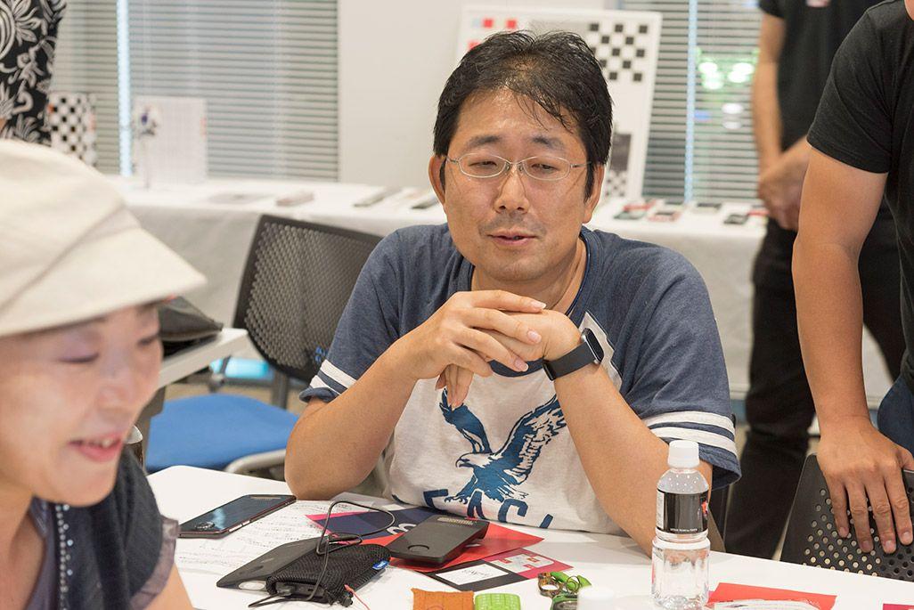 INFOBARファンミーティング新宿で語る参加者