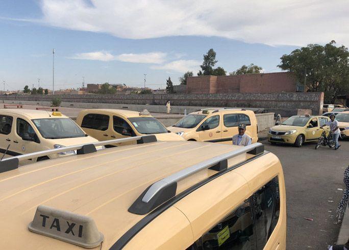 モロッコ マラケシュ市内にあったタクシーの溜まり場
