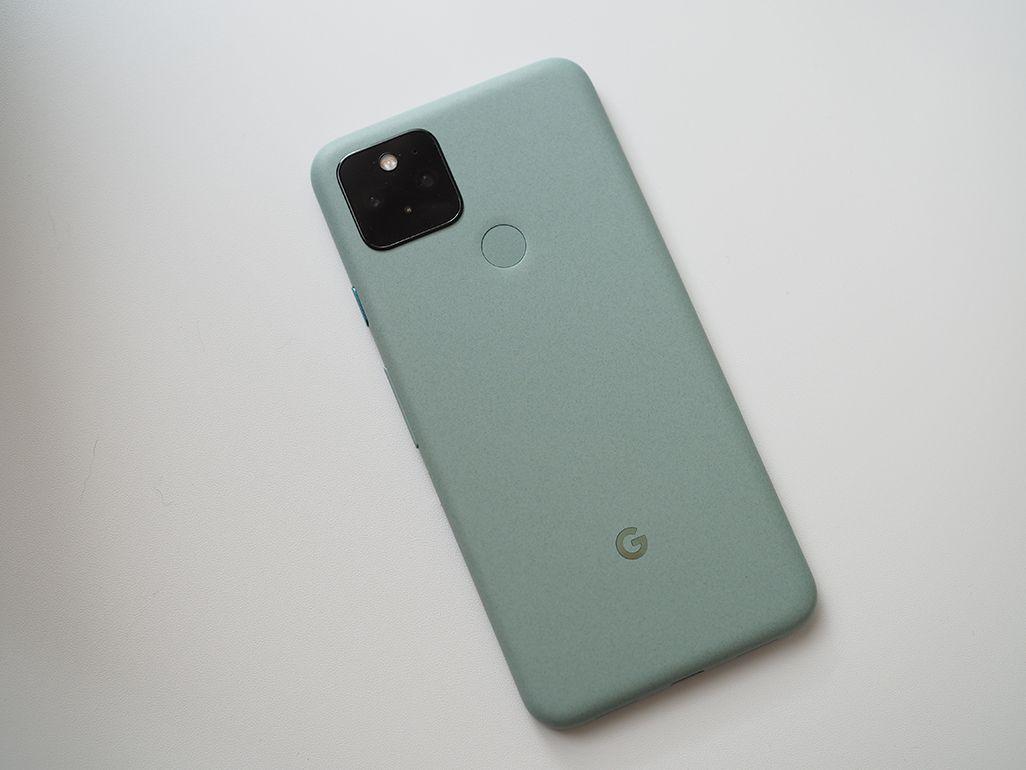Google Pixel 5の背面