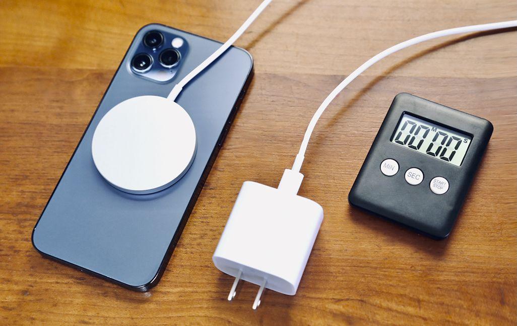 MagSafe充電器、Qi、ケーブル