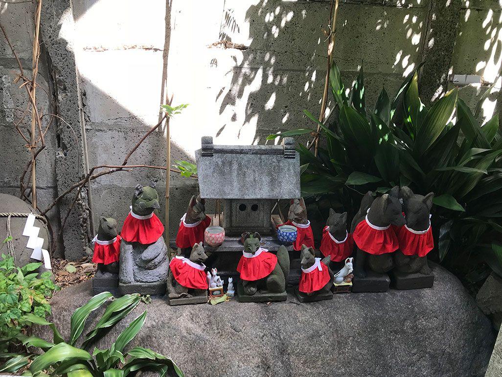 iPhone 7で撮影した神社の狐たち