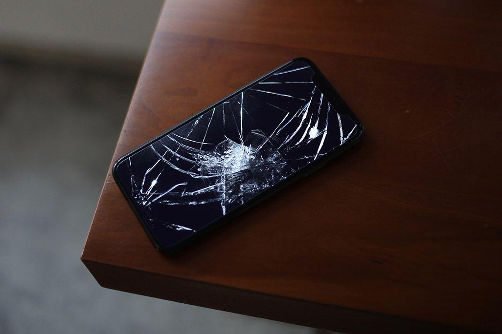 画面割れしたiPhone X
