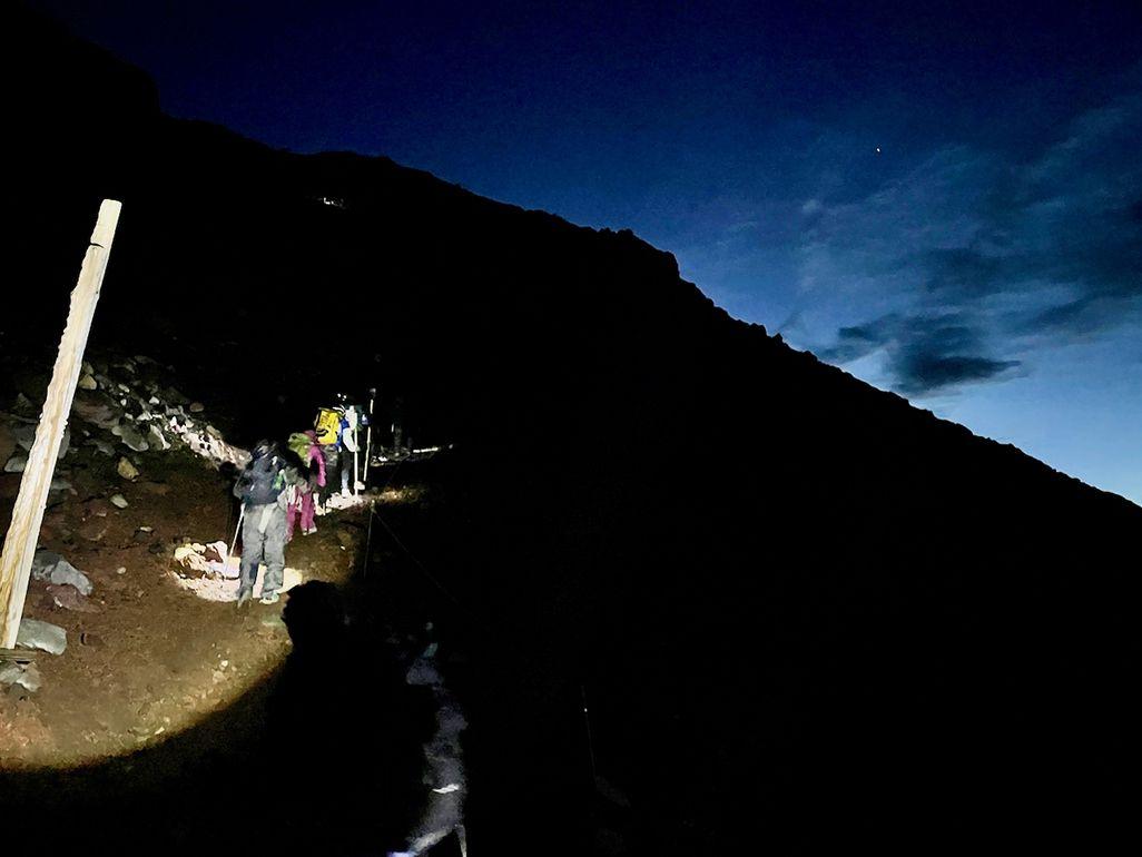 明け方の富士登山