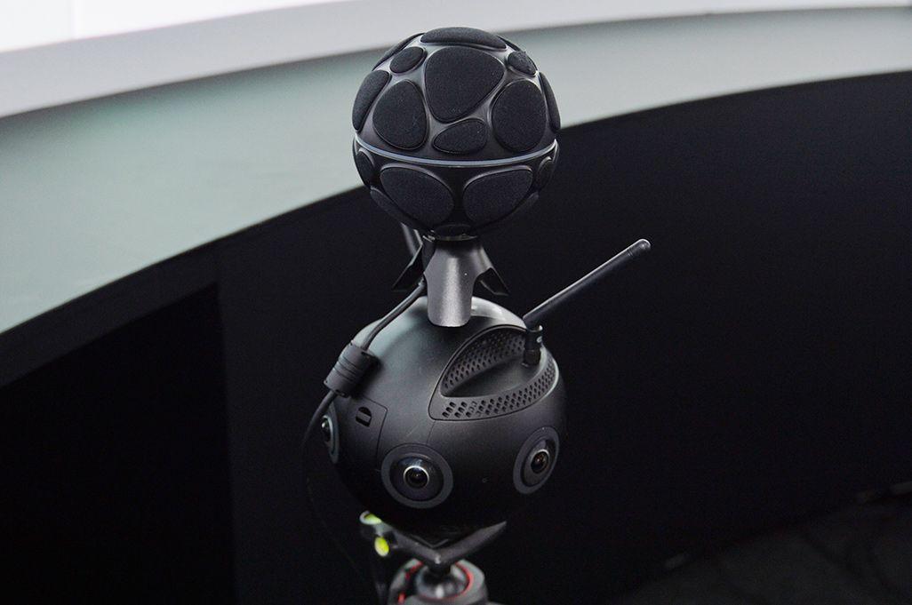 音のVRを収録するためのマイクとカメラ