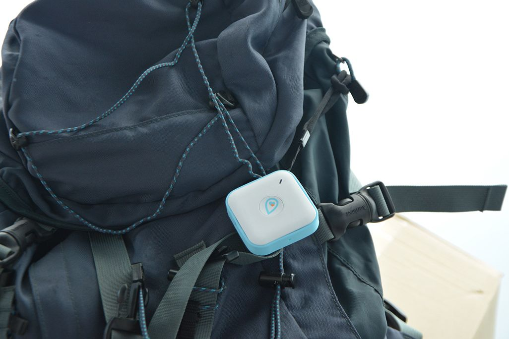 リュックに付けられたPocket GPS端末