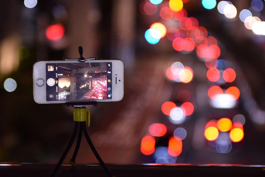 夜景と道路をiPhoneで撮影