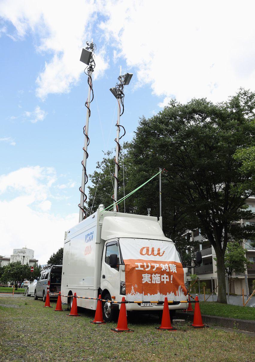 JR中央本線上諏訪駅前に設置された車載型基地局