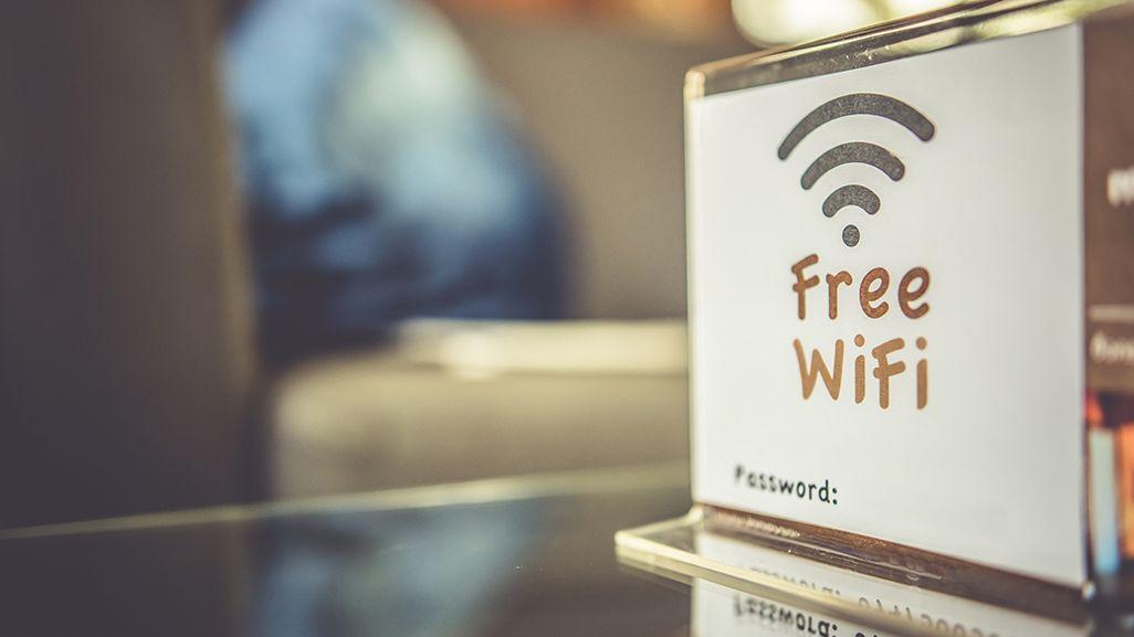 店内のフリーWi-Fiの案内板
