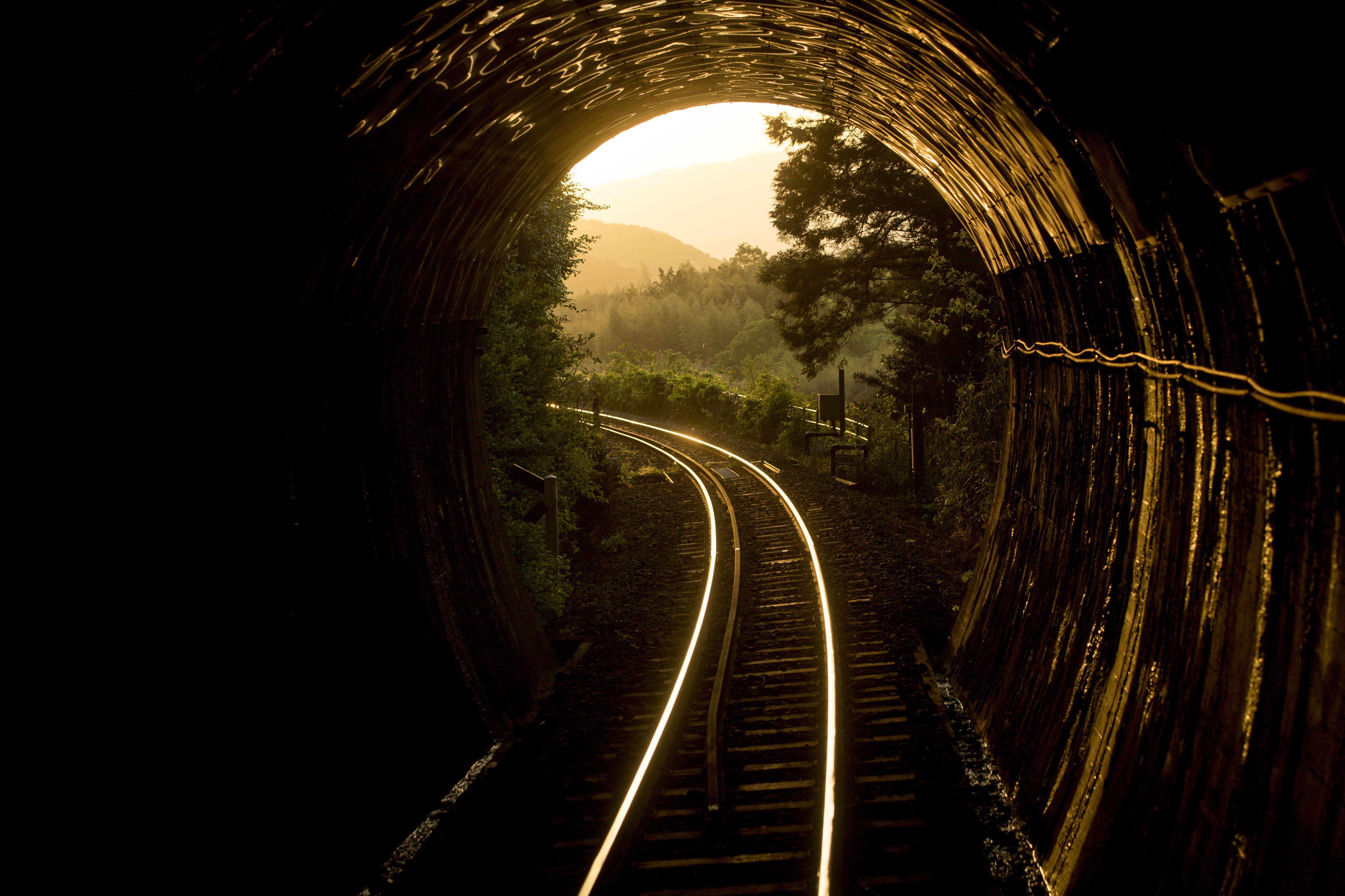 トンネルのイメージカット