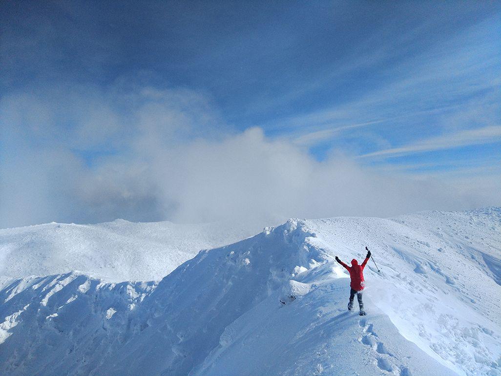 安達太良山を登山中の田中陽希さん