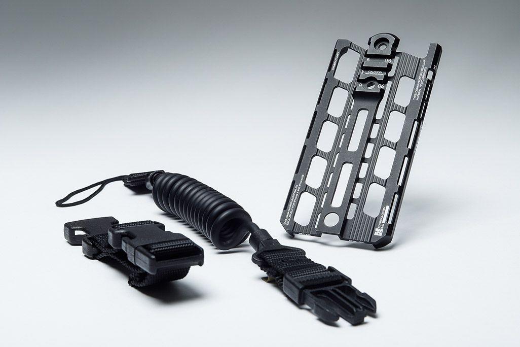 カトキハジメiPhoneケース「RAILcase」とランヤードのセットコース