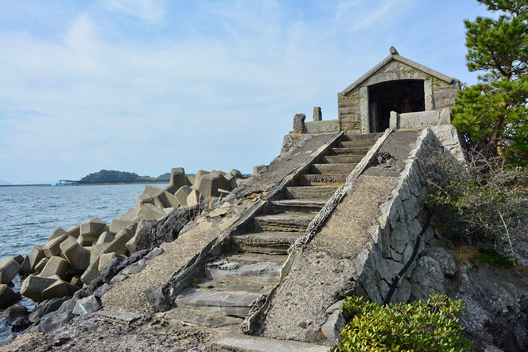 小値賀島の牛の塔