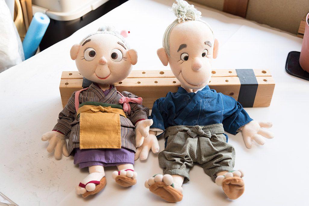 人形劇で使われるおじいさんとおばあさんの人形