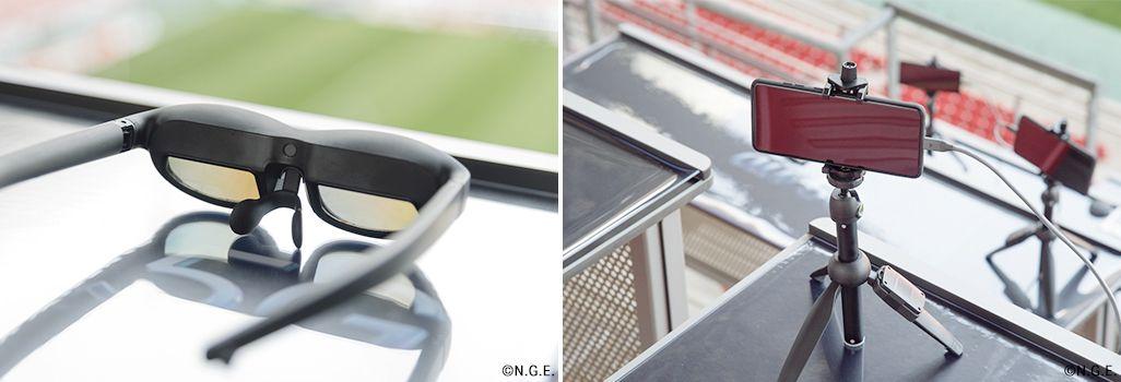テーブル付きの座席にスマートグラスと5Gスマホを設置した「au 5Gシート」