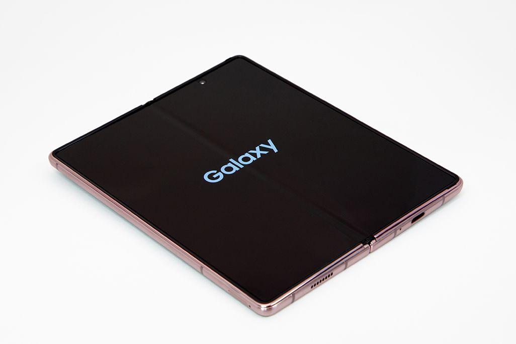 Galaxy Z Fold2 5Gのメインディスプレイ