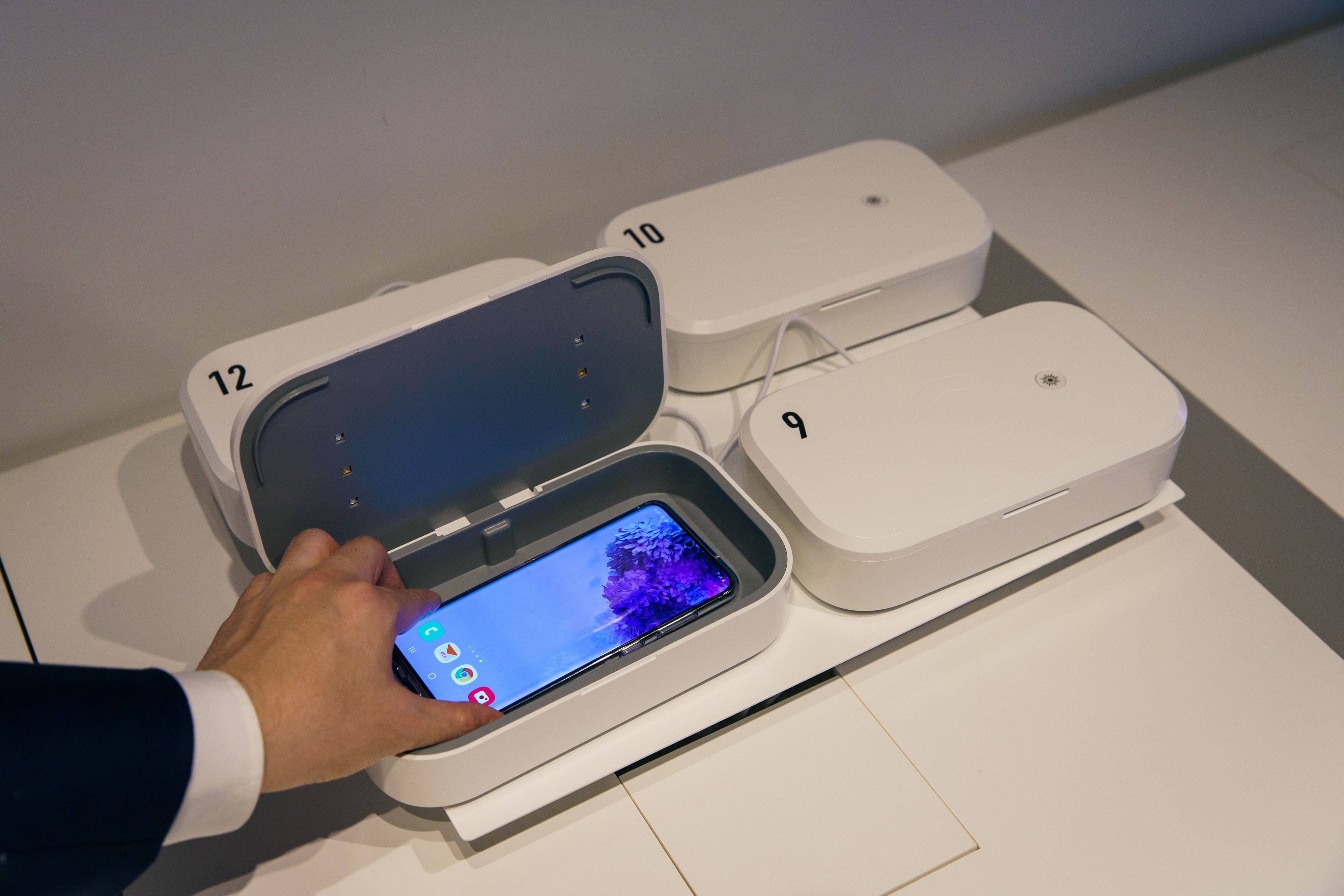 GINZA 456の紫外線除菌ボックス