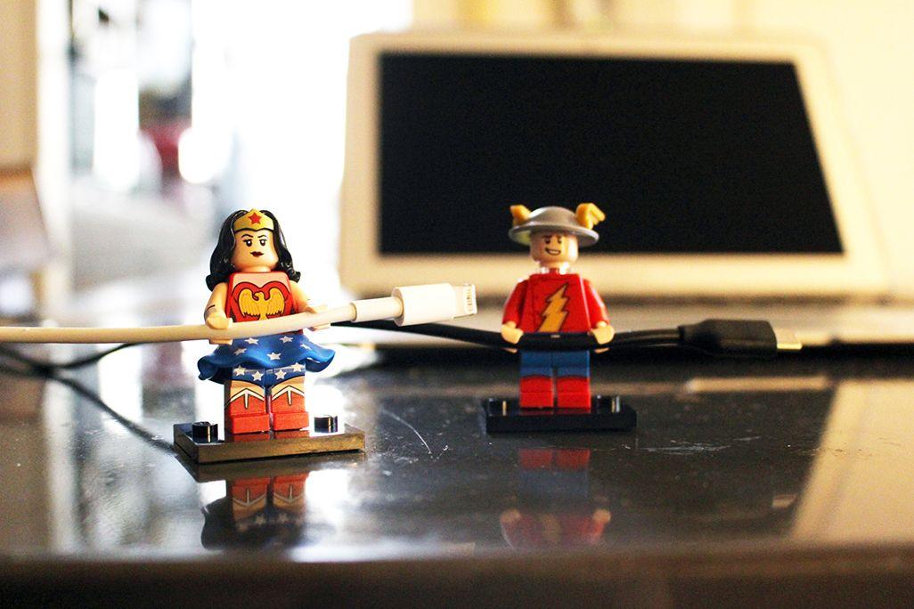 レゴのミニフィギュアでケーブル整理