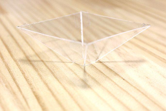 完成したホログラム投影パーツ