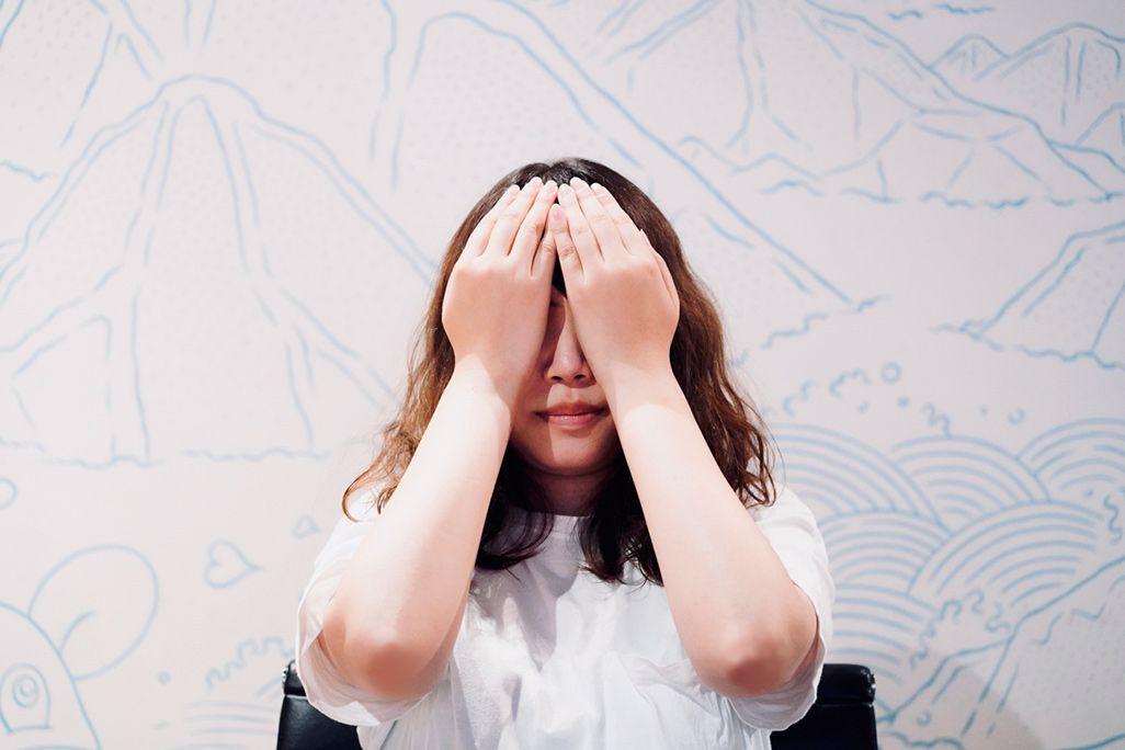 涙の質を変えるための目を温める運動