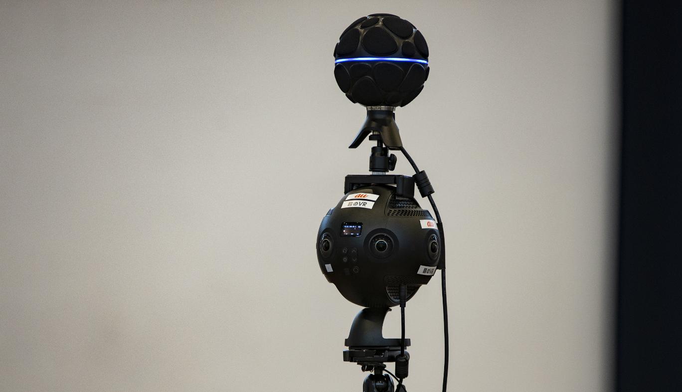 音のVR撮影用の360度カメラと360度マイク