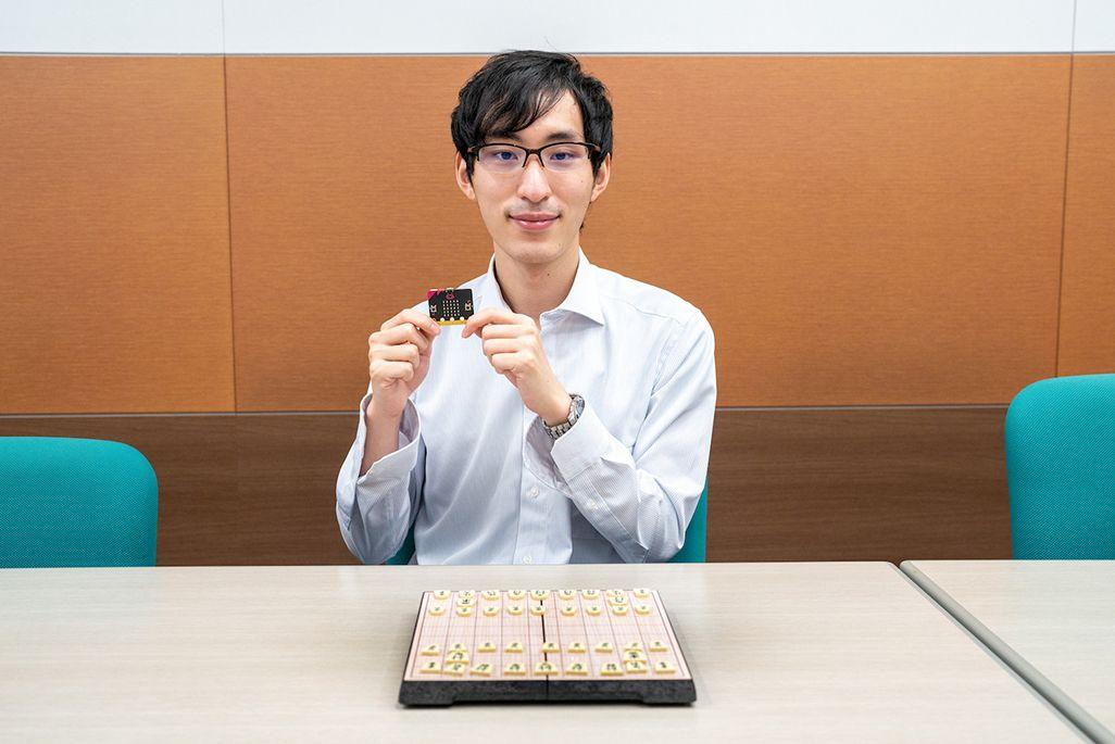 KDDI 技術戦略本部・技術渉外部 岡本浩尚