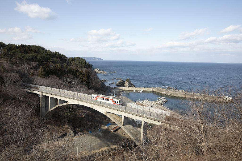 大沢橋梁と海