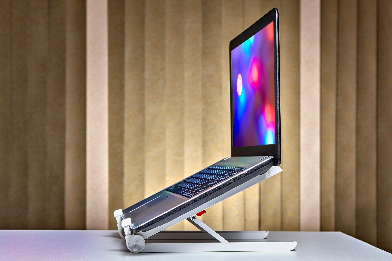 PCスタンドや外付けディスプレイの利用イメージ