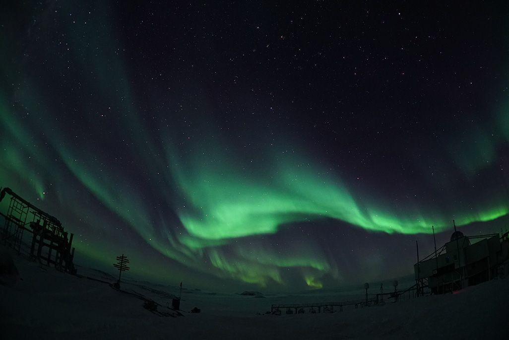 南極で観測されたオーロラ