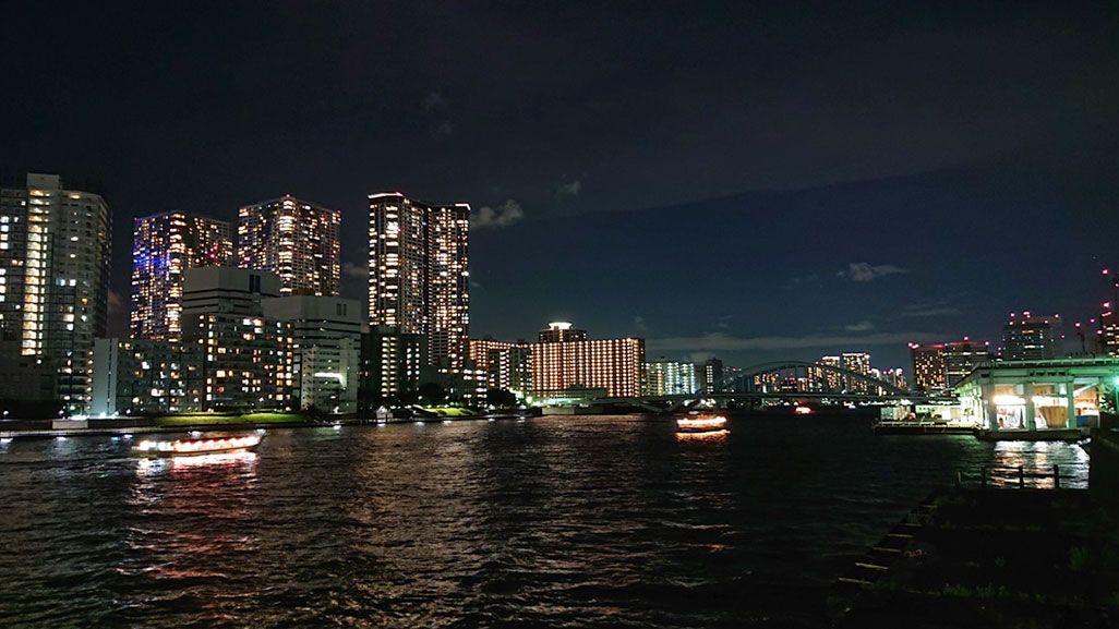 Xperia XZ2 Premiumで撮影した築地市場と隅田川