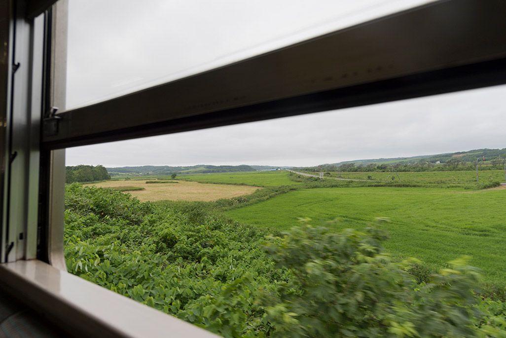 北海道 宗谷本線の車窓から見た兜沼駅