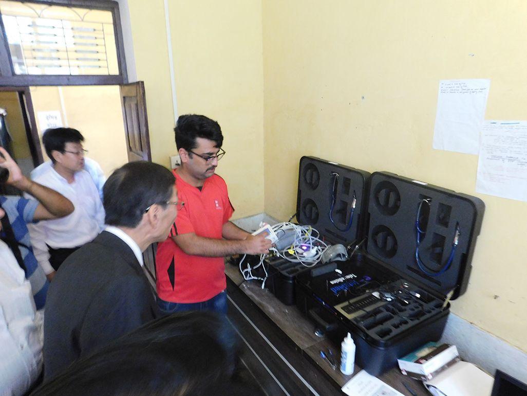 ネパール・ダル地区の総合病院に導入された遠隔健診システム