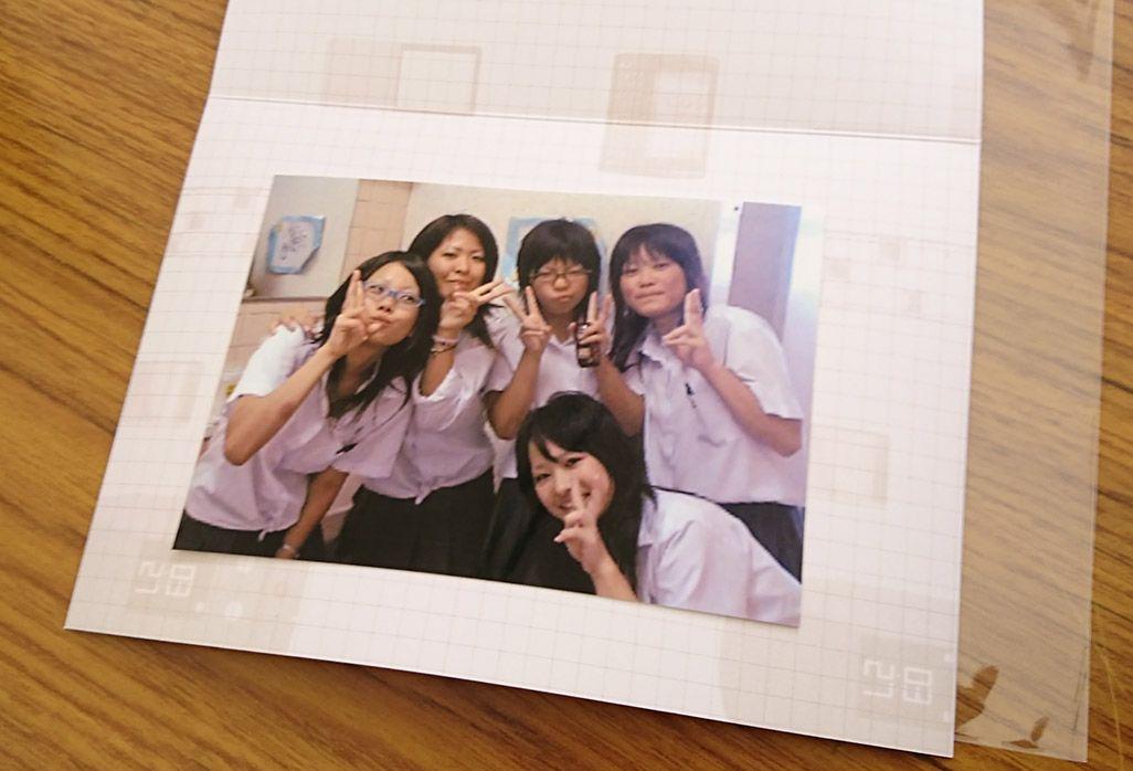 11年前のケータイから復活した女子高生たちのスナップ