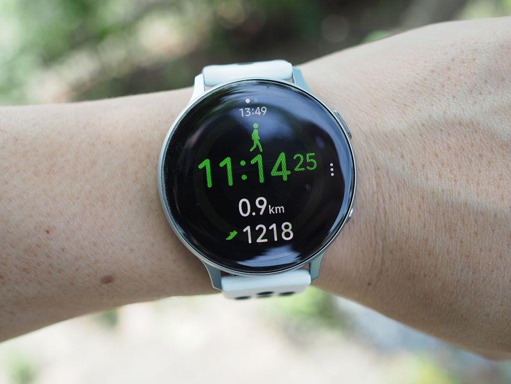 運動状況が表示されたGalaxy Watch Active 2