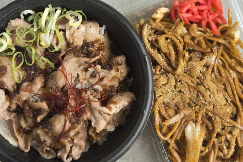 イベリコ黒豚丼と富士宮やきそば