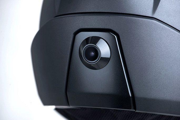 ヘルメット後方に内蔵されたカメラ