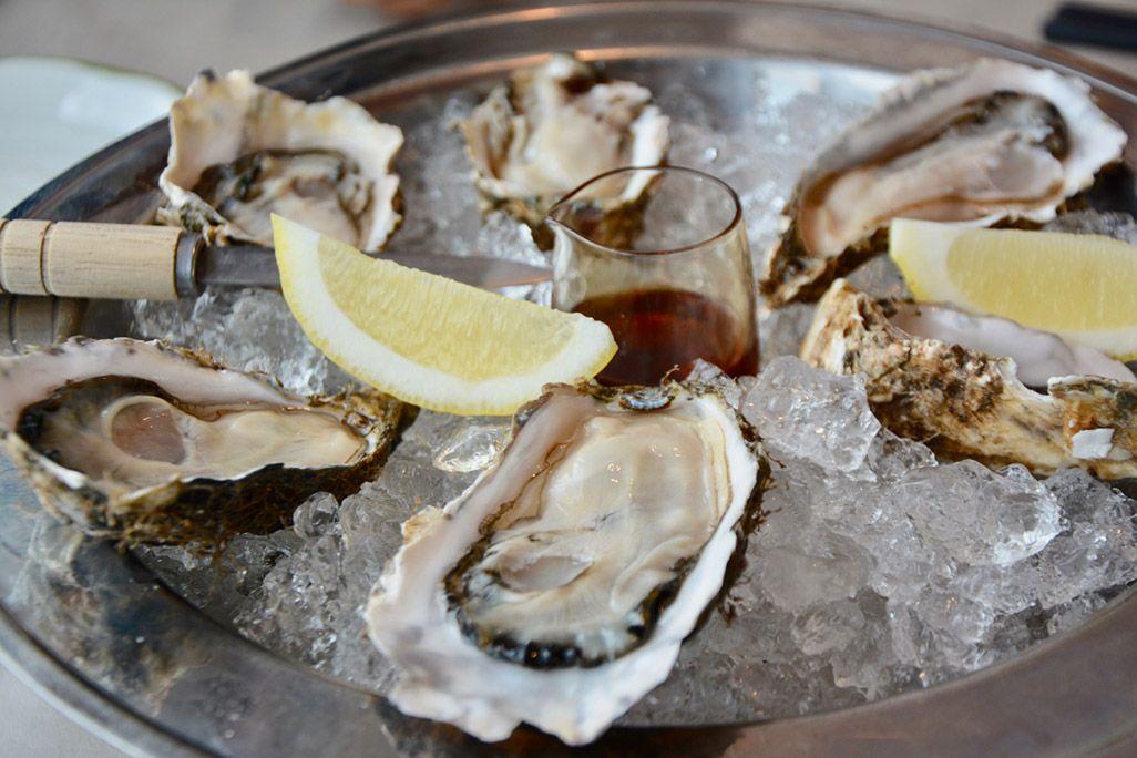 厚岸産牡蠣の生牡蠣