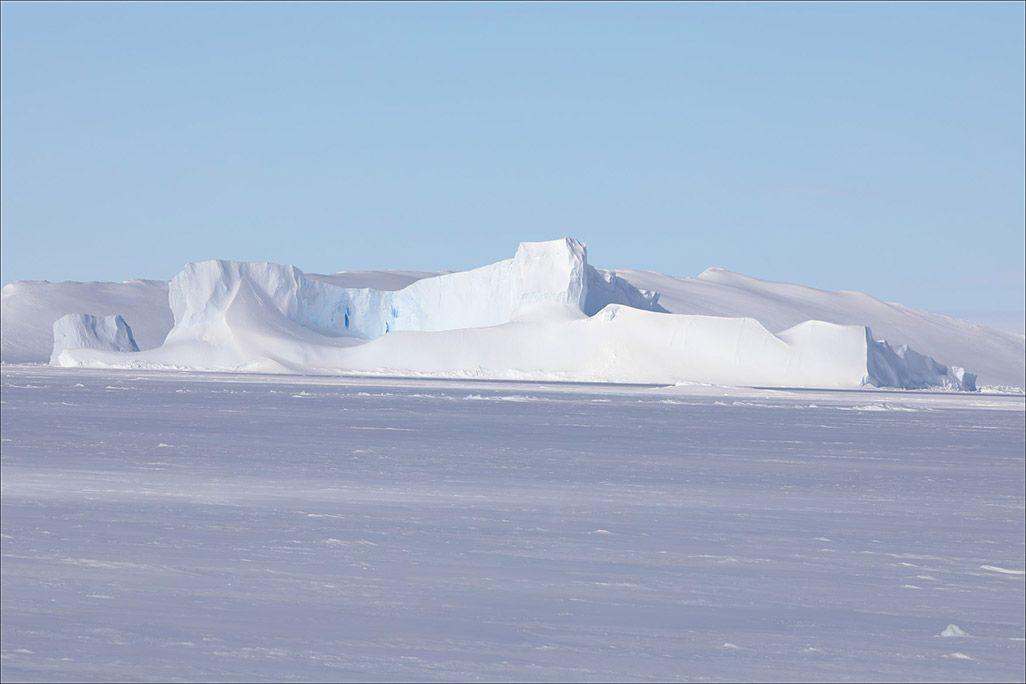 南極・東オングル島周辺の氷山