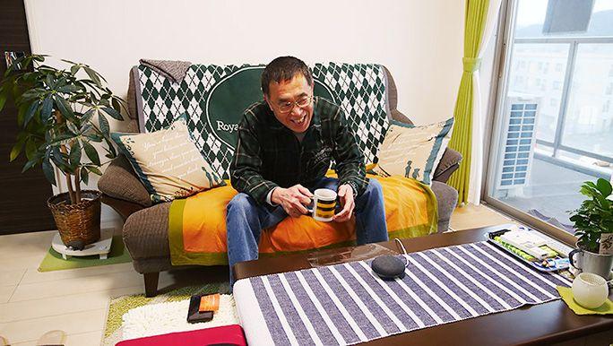 訪問から一週間後、 Google Home を楽しむ父