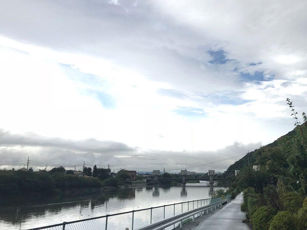 iPhoneで通常撮影した「雨上がりの空模様」