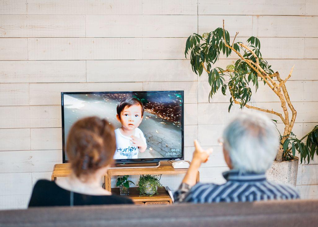 ネット回線不要で写真や動画をテレビで共有できる「まごチャンネル」
