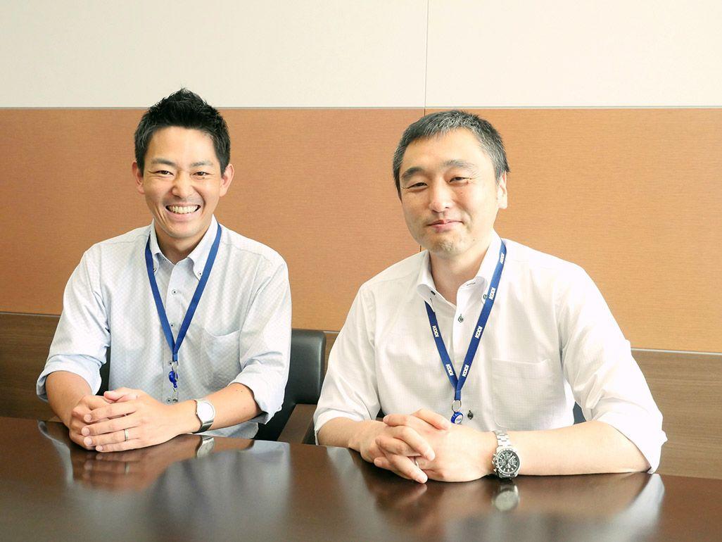 KDDI プロダクト品質管理部 品質管理グループの上杉直仁と長谷川隆