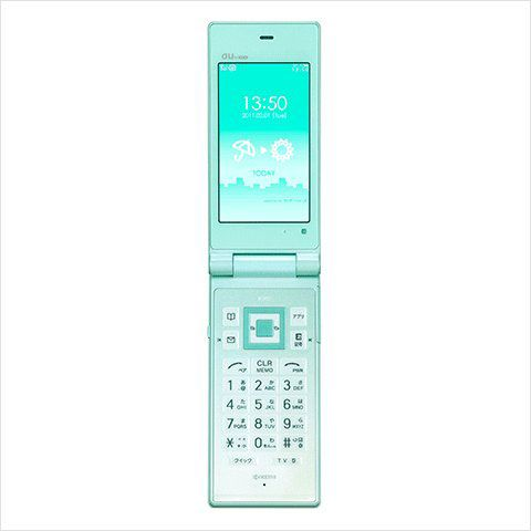浜浦彩乃さんのファーストケータイは2011年発売の「K007」