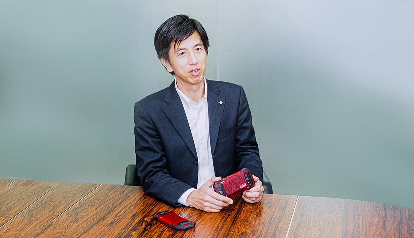 京セラ「TORQUE 5G」の商品企画担当者