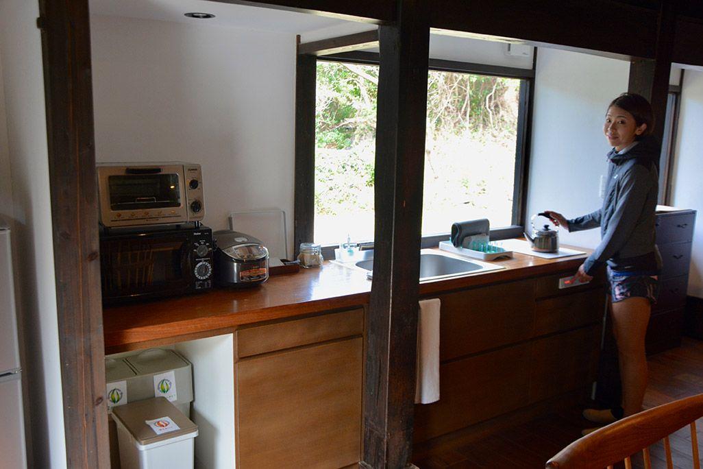小値賀島の古民家宿「親家」のキッチン