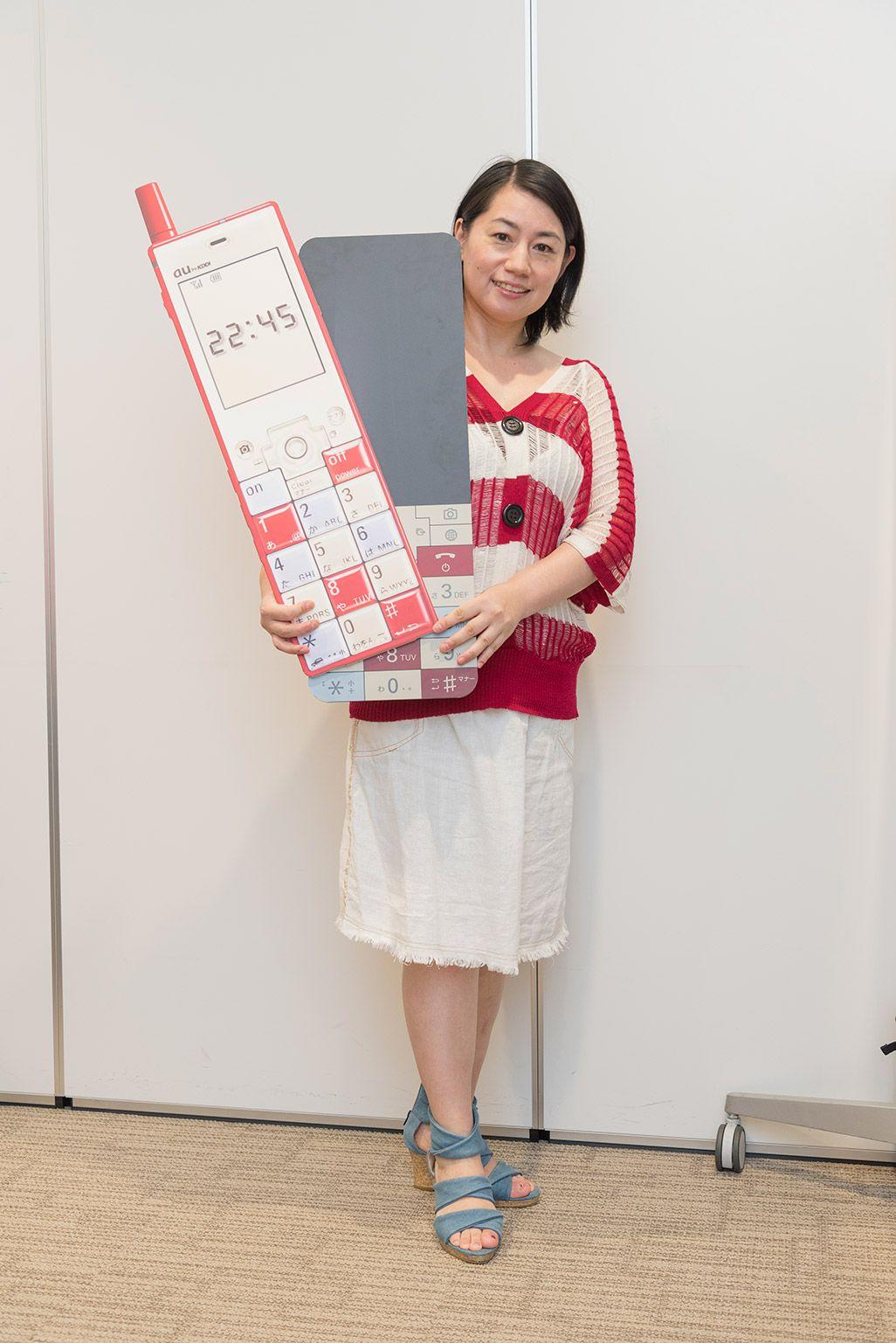 INFOBARファンミーティング新宿でポーズをとる女性