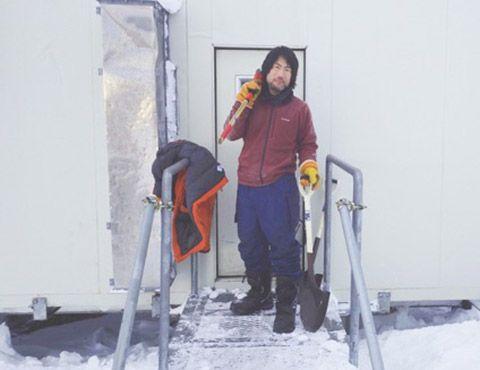 第59次南極地域観測隊L ANインテルサット担当隊員の齋藤勝