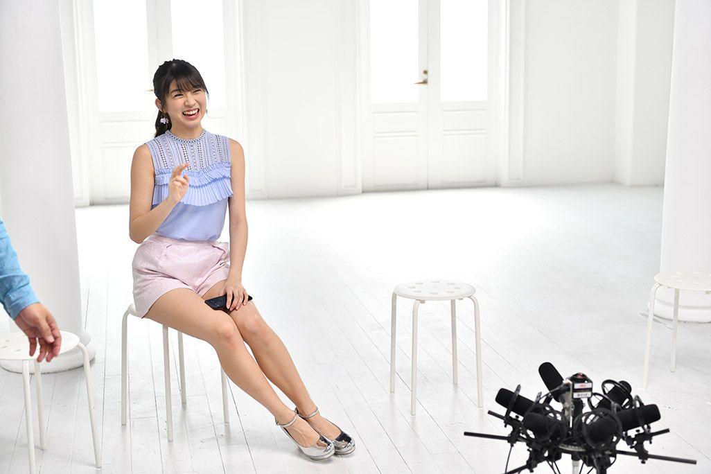 「音のVR」収録スタジオで微笑むモーニング娘。'18・牧野真莉愛